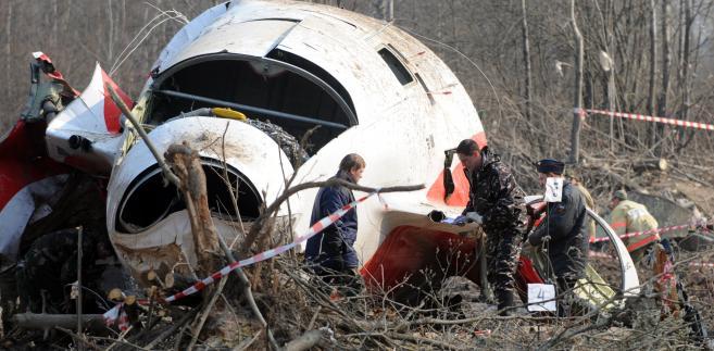 Katastrofa smoleńska: Szczątki prezydenckiego samolotu.