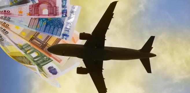 IATA przewiduje, że globalny zysk linii lotniczych za 2012 r. wyniesie 4,1 mld USD. Jest to więcej niż wynosiła prognoza z czerwca br., ale zysk i tak będzie niższy niż w ub. r.