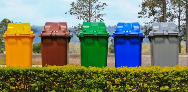 Działalnością śmieciowego biznesu zainteresowała się w ostatnich tygodniach KNF