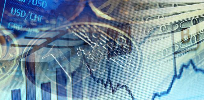 """Ekonomistka przypomniała, że """"te podwyżki, poprawy prognozy"""" trwają od pewnego czasu."""