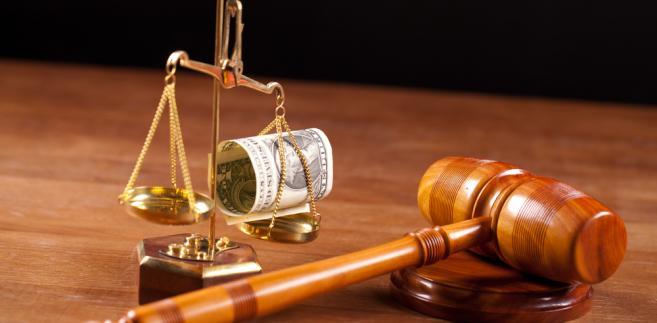 Prezes TK wytknął również władzy ustawodawczej, że na wykonanie nadal oczekuje aż 116 wyroków trybunału, a w pewnych przypadkach sytuacja ta ciągnie się latami.