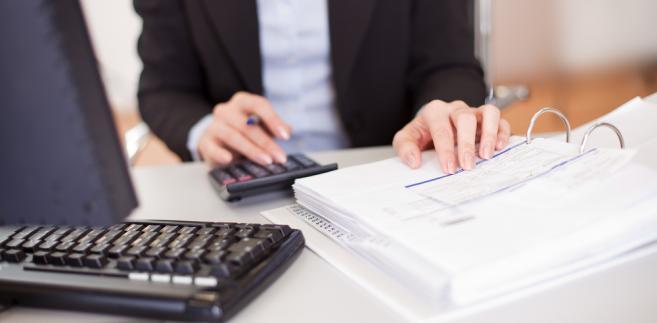 Nie ma szybkich i łatwych pieniędzy – przestrzega resort finansów.