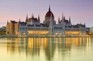 Agencje grożą Polsce, chwalą Orbana. Rating Węgier może pójść w górę