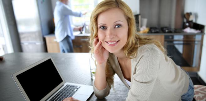 komputer-internet-kobieta