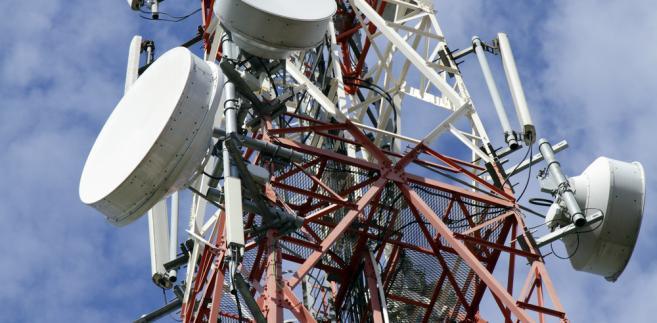 internet-stacja bazowa -maszt