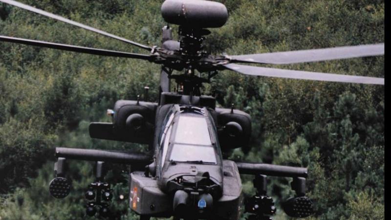 Amerykański helikopter bojowy Apache Longbow.