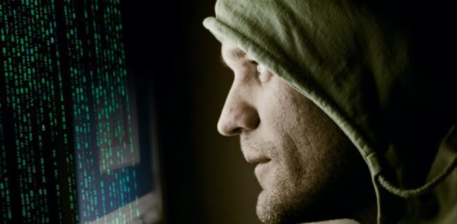 haker-telekomunikacja-internet