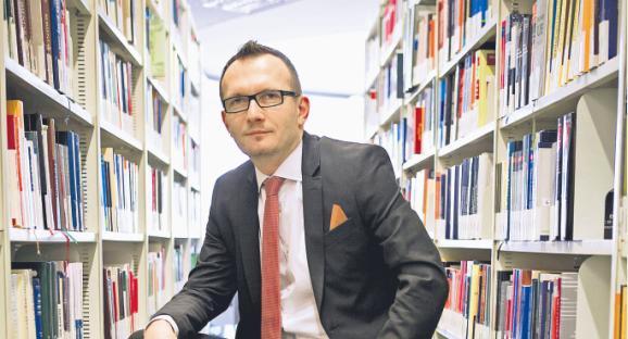 Artur Rycak doktor nauk prawnych, wykładowca na Uczelni Łazarskiego, sędzia Sądu Rejonowego dla m.st. Warszawy, przez siedem lat pracował w departamencie sądów, organizacji i analiz wymiaru sprawiedliwości Ministerstwa Sprawiedliwości / fot. Wojtek Górski