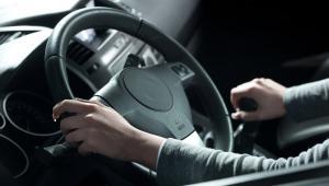 Auto po kolizji musi być unieruchomione przez określony minimalny czas.
