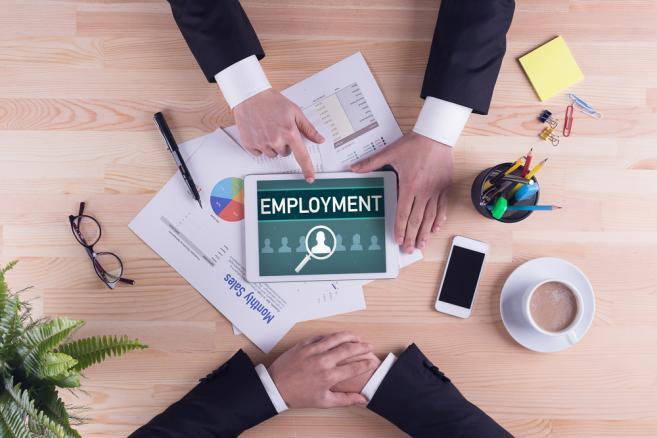 zatrudnienie biznes pracownik umowa