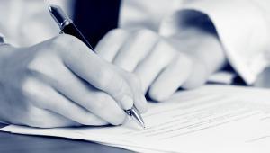 Podatnik, który kupuje grunt, musi w ciągu dwóch lat podpisać akt notarialny stwierdzający nabycie