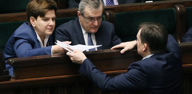 Beata Szydło, Piotr Gliński i Zbigniew Ziobro w Sejmie