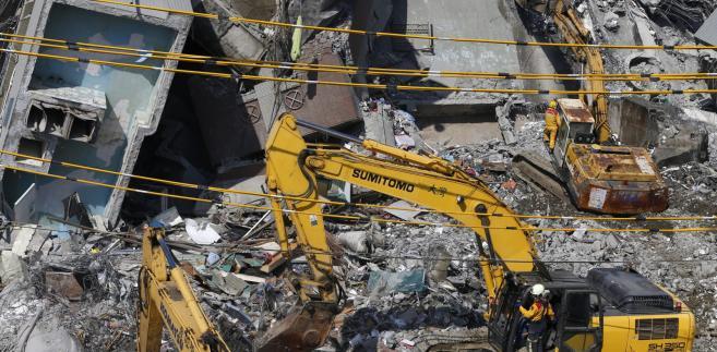 Trzęsienie ziemi na Tajwanie: Zawalony budynek