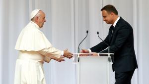Papież Franciszek i prezydent RP Andrzej Duda podczas oficjalnego powitania na Wawelu