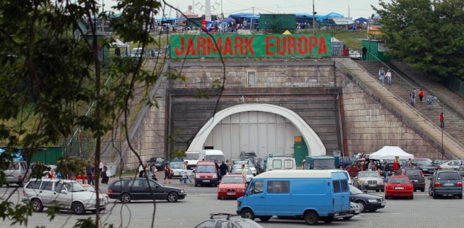 Stadion X-lecia . Jarmark Europa
