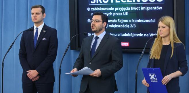 Kukiz'15: Rządy PiS sprowadzają się do walki z TK, a nie do reformowania kraju