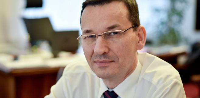 Morawiecki powiedział dziennikarzom, że jednym z działań dotyczących uszczelnienia systemu VAT, o którym Polska rozmawia z Komisją Europejską, jest tzw. split payment, czyli podzielona płatność.