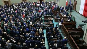 Za nowelizacją ustawy o świadczeniach opieki zdrowotnej finansowanych ze środków publicznych głosowało 230 posłów, 209 było przeciw, pięciu wstrzymało się od głosu.