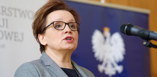 Anna Zalewska twierdzi, że wszystko robi dla dobra dzieci.