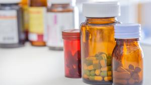 Ministerstwo wskazało, że z roku na rok środki na refundację są zwiększane, wyraźnie też zarysowuje się wzrost wydatków na leki szpitalne – programy lekowe i chemioterapię.