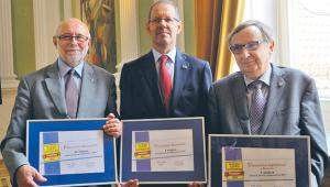 Rektorzy najlepszych uczelni 2017. Od lewej: Jan Szmidt (PW), Marcin Pałys (UW) i Wojciech Nowak (UJ)