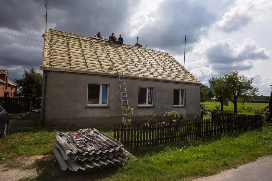 Zabudowania zniszczone przez nawałnice