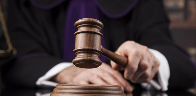 """Autorzy listu powołali się m.in. na """"dobro sędziów, a także wymiaru sprawiedliwości, gdyż sędziowie, którzy są w dramatycznej sytuacji zdrowotnej, chcieliby przejść w stan spoczynku, a jest to uniemożliwiane""""."""
