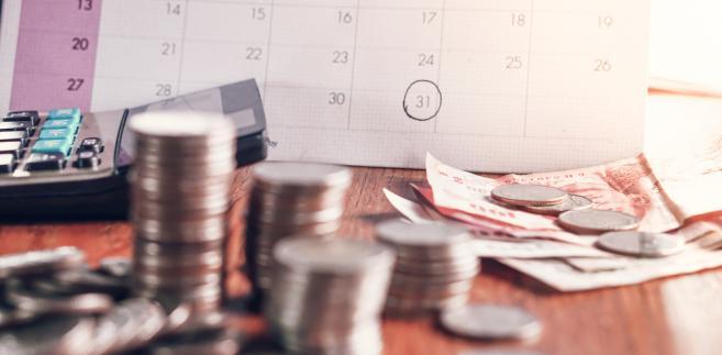 Urzędy skarbowe wykryły też trzykrotnie więcej fikcyjnych faktur niż w I półroczu 2016 r. (prawie 240 tys.). Faktury te opiewały na blisko 9,5 mld zł (wzrost o 5,8 proc.).