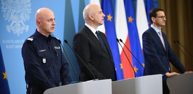 gen. Jarosław Szymczyk, Joachim Brudziński i Mateusz Morawiecki