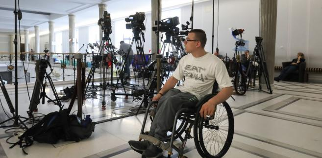 Protest osób niepełnosprawnych w Sejmie