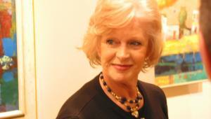"""W 2008 r. została nagrodzona Złotym Medalem Zasłużony Kulturze """"Gloria Artis""""."""