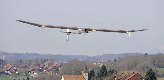 Napędzany energią słoneczną samolot Solar Impulse.