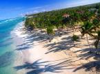 Dominikana - wczasy z biurem podróży na tej karaibskiej wyspie zaczynają się od 5 - 6 tys. złotych za osobę.