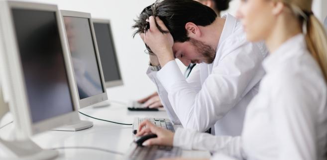 Na początku miesiąca Ministerstwo Pracy i Polityki Społecznej (MPiPS) podało, powołując się na dane z urzędów pracy, że stopa bezrobocia w maju spadła do 13,5%.