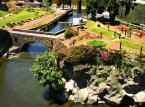 Ribeira Grande niezwykłe urokliwe miasto położone na wyspie Sao Miguel.