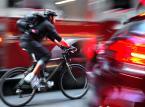 Dowiedz się, kiedy możesz jechać rowerem po chodniku bez narażenia się na mandat