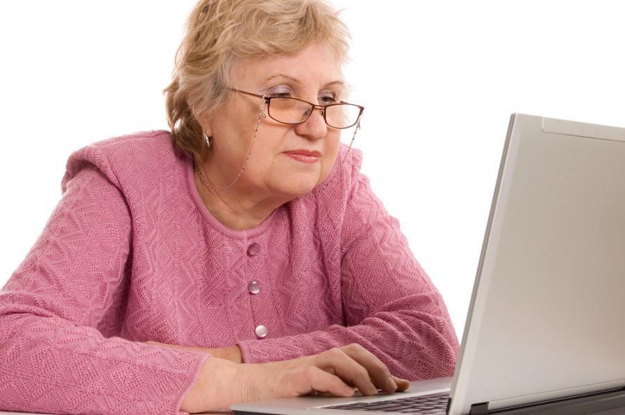 Znalezione obrazy dla zapytania senior komputer