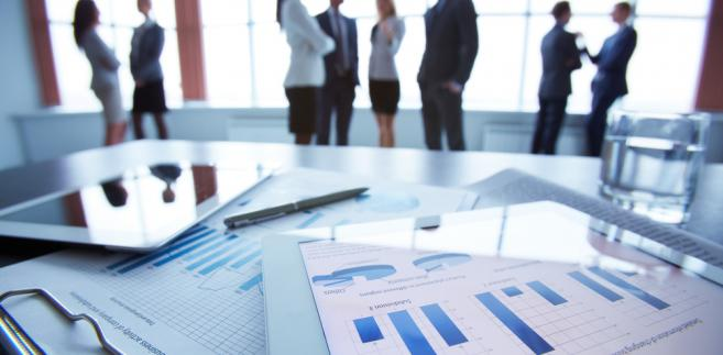 Kilkadziesiąt ustaw nakłada na firmy w kontaktach z administracją obowiązek podawania w składanych formularzach czy wnioskach numerów, np. z Krajowego Rejestru Sądowego, lub innych danych identyfikujących.