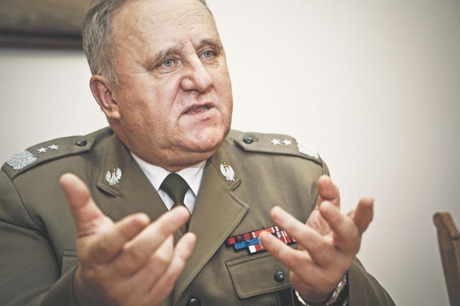 Prof. dr hab. gen. dyw. rez. Bogusław Pacek, doradca ministra obrony