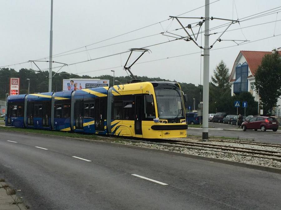 Jeden z tramwajów Swing, który kursuje po Toruniu. Źródło: materiały prasowe.