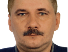 Robert Duchnowski młodszy inspektor policji w stanie spoczynku. Ponad 26 lat pełnił służbę w Komendzie Stołecznej Policji jako ekspert od kryminalistyki w laboratorium kryminalistycznym. Jego specjalizacją jest fotografia, a żywiołem organizacja i taktyka przeprowadzania oględzin. Od 2012 r. na emeryturze