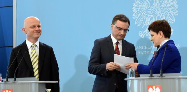 Premier Beata Szydło, minister sprawiedliwości, prokurator generalny Zbigniew Ziobro oraz minister finansów Paweł Szałamacha