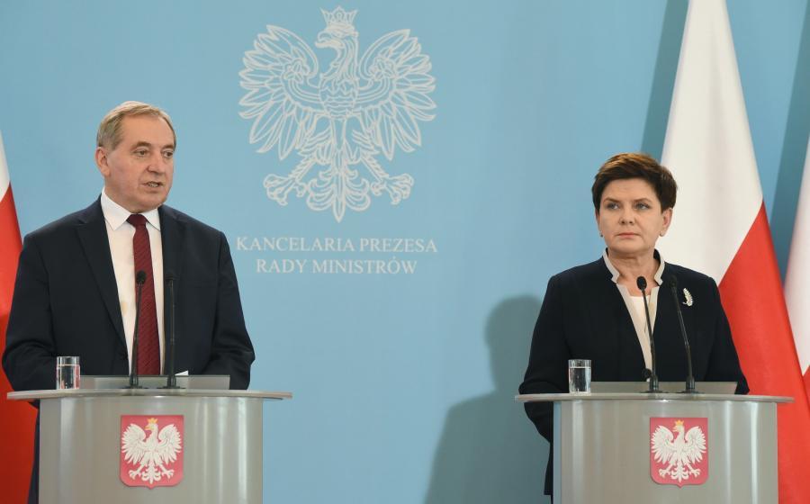 Premier Beata Szydło i minister w KPRM Henryk Kowalczyk, PAP/Radek Pietruszka
