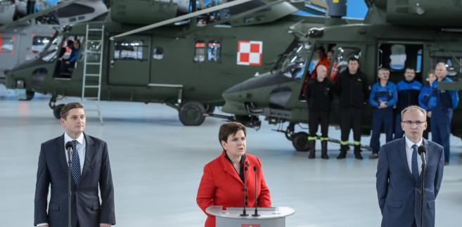 Premier Beata Szydło, wiceminister obrony Bartosz Kownacki i wiceminister rozwoju Radosław Domagalski