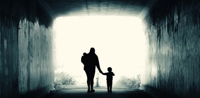 Do domów samotnych matek trafiają często dziewczyny z bidula.