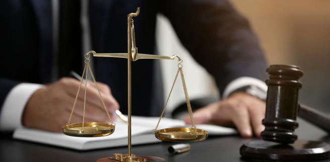 Tadeusz Cymański uważa, że ewentualny konflikt interesów leży raczej po stronie sądu niż organów samorządu zawodowego