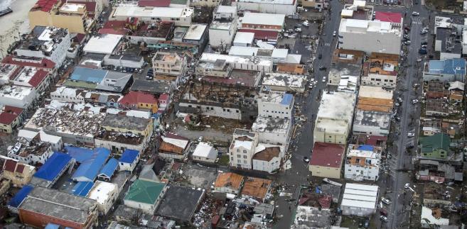 Obecnie huragan znajduje się w odległości ok. 400 km na południowy zachód od Cabo Corrientes w stanie Jalisco i przesuwa się na północny wschód.