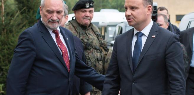 Prezydent Andrzej Duda i minister obrony Antoni Macierewicz