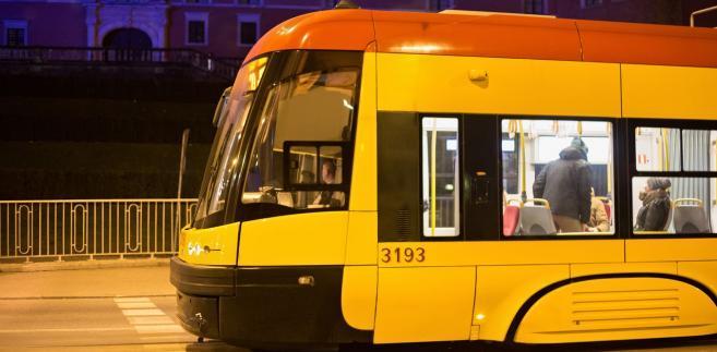 Chodziło o inwestycję, w ramach której miasto musiało przebudować trasę tramwajową, ponieważ kolidowała ona z infrastrukturą powstającą w ramach projektu.