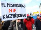 """""""Tu wolna jest Warszawa"""". Protest przeciw budowie pomnika ofiar katastrofy smoleńskiej"""